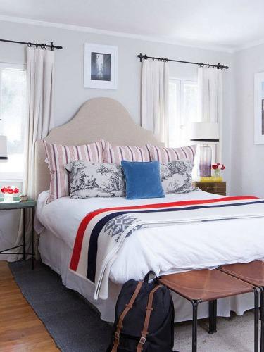 light-bedroom