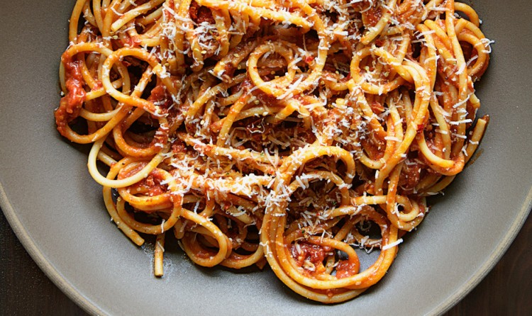 bucatini-with-butter-roasted-tomato-sauce-940x560